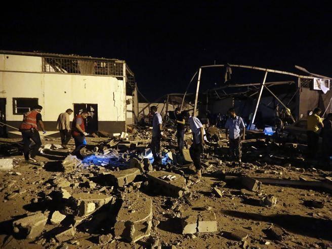 Libia, Almeno 100 Morti Nel Centro Migranti Bombardato A Tajoura. Molte Donne E Bambini