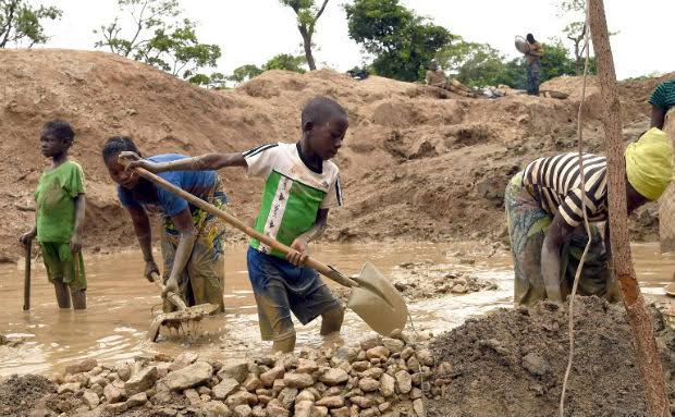 Congo, Children Dead And Injured In Cobalt Mines. Class Action Against Tech Giants