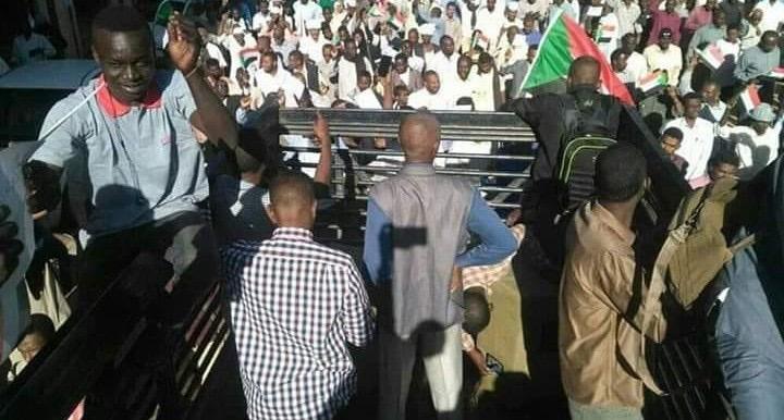 Sudan, Non Si Scende In Strada: Anniversario Golpe Si Celebra Su Balconi E Tetti A Khartoum