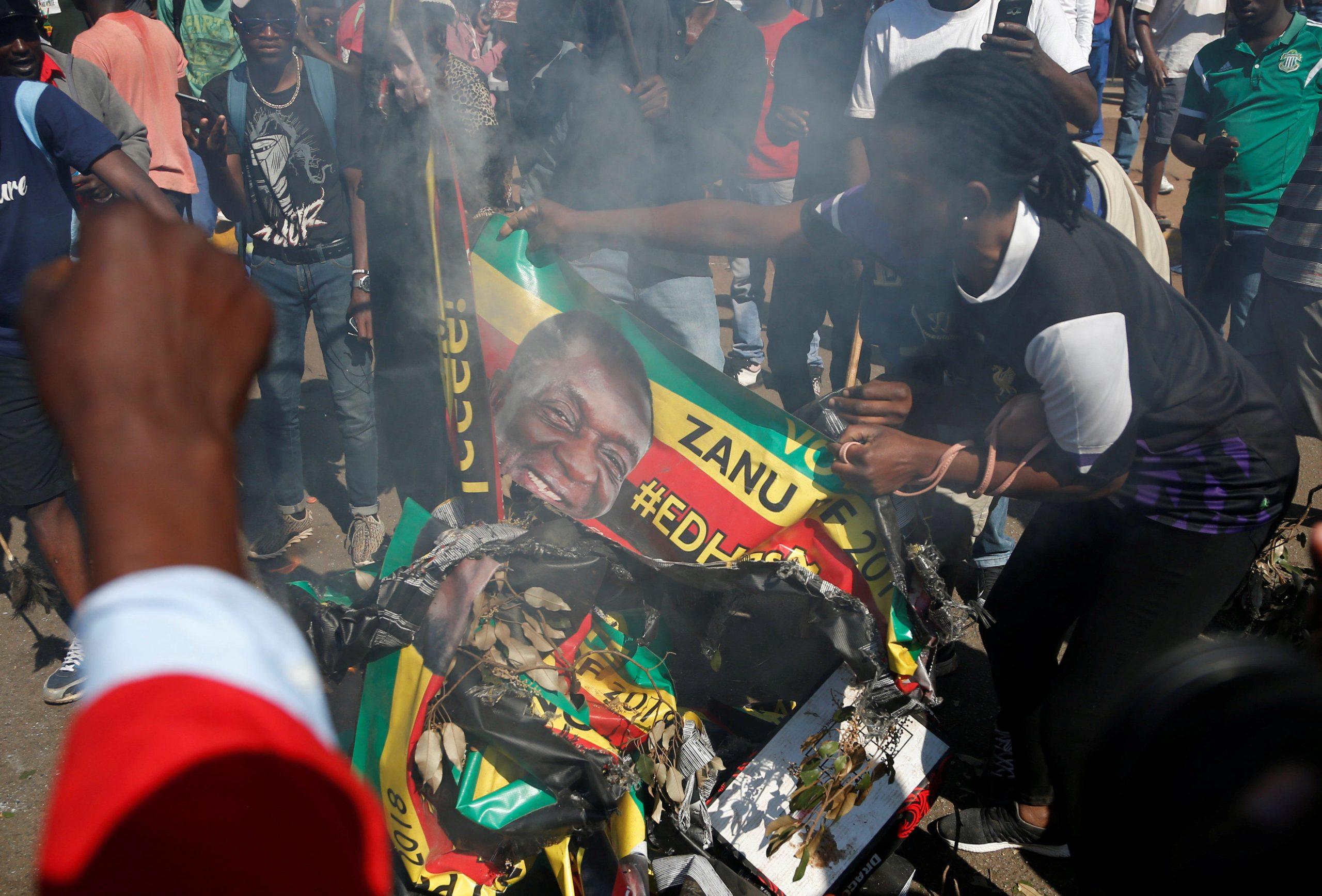 Zimbabwe, Impedite Le Proteste Contro La Corruzione, Caccia Agli Attivisti
