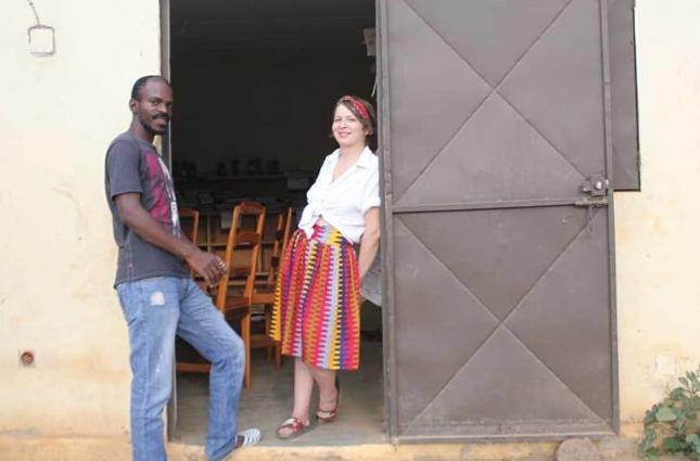 Costa D'Avorio: Le Peregrinazioni Di Un Medico Algerino Nel Paese Di Mahou