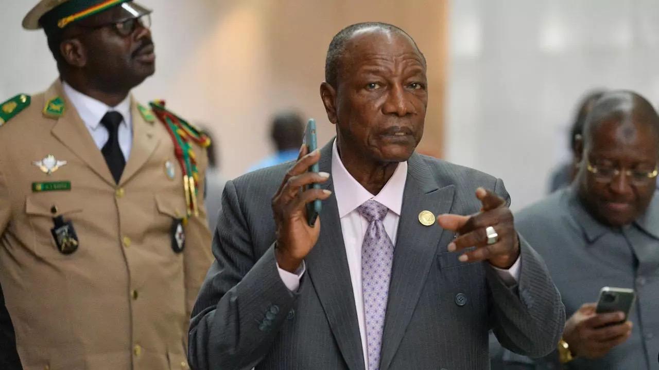 Guinea: Il Giuramento Del Presidente Condé Preceduto Da Una Scia Di Sangue