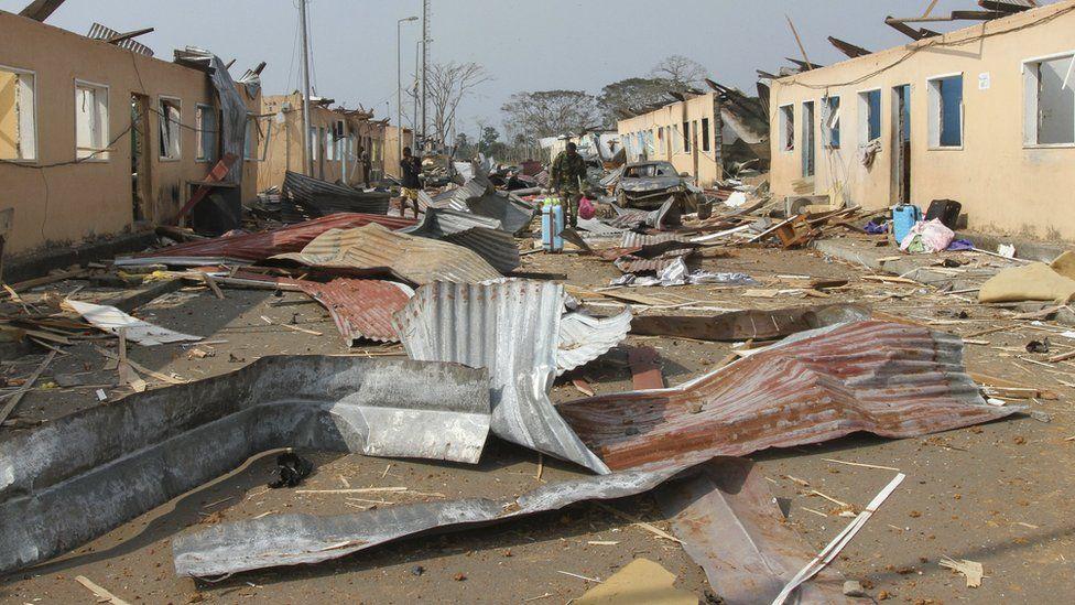 Guinea Equatoriale, Esplosioni In Un Campo Militare. Decine Di Morti E Centinaia Di Feriti